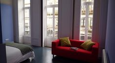 """6Only Guesthouse -  Um casal portuense abriu as portas da sua casa, uma """"senhora casa"""" no centro do Porto, para receber com muito calor e hospitalidade."""