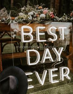 Wedding Neon Signs for your wedding day! Custom wedding neon signs are a colorful, unexpected decor option that can modernize your big-day venue. Design your own neon sign now! Wedding Trends, Wedding Blog, Diy Wedding, Wedding Styles, Wedding Flowers, Wedding Make Up, Wedding Day, Dream Wedding, Elopement Reception