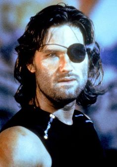 Released in Escape from New York is a cult-classic action film featuring the dream team of director John Carpenter and star Kurt Russell. Kurt Russell, Divergent Trilogy, Divergent Humor, Kino Film, Veronica Roth, Fantasy Movies, Cultura Pop, Movie Characters, Action Movies