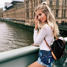 ~Travel outfit and cute hair~ Looks Style, Style Me, Poses, Look Fashion, Fashion Outfits, Summer Outfits, Cute Outfits, Cute Travel Outfits, Passion For Fashion