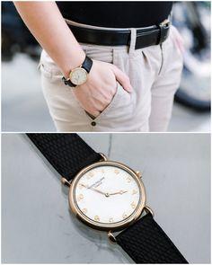 Złoty zegarek z czarnym paskiem - idealne uzupełnienie każdej stylizacji. Sklep Złoto-Orla Warszawa