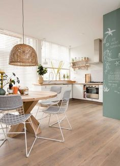 Having an open plan for a dining room has its own charm because it makes the vibe so much cozier. Check out these open dining room ideas that'll amaze you! Kitchen Interior, Kitchen Decor, Warm Kitchen, Kitchen Ideas, Cocina Office, Sweet Home, Interior Decorating, Interior Design, Home Staging