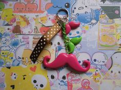 Porte clefs moustache , en pâte fimo, fait main : Porte clés par s-et-s-accessoires