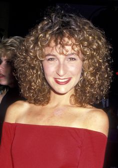 Jennifer Grey (born March is an American actress known for her roles in the films Ferris Bueller's Day Off and Dirty Dancing. Dirty Dancing, Medium Hair Styles, Curly Hair Styles, Natural Hair Styles, 80s Curly Hair, Jennifer Grey Plastic Surgery, Michaela, Short Curls, Let Your Hair Down