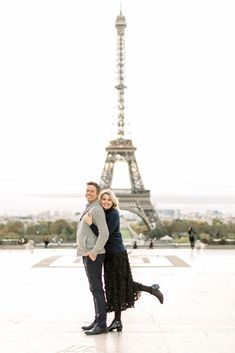 10 Tips for a Paris Honeymoon - Danielle Harris Photography |  Eiffel Tower Engagement Session #engaged #engagement #love #photooftheday #couplegoals Honeymoon On A Budget, Honeymoon Spots, Honeymoon Destinations, Amazing Destinations, Travel Hat, Romantic Paris, Luxembourg Gardens, Wedding Honeymoons