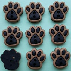 SEW CUTE PAWS - Dog Cat Pet Brown Black Novelty Dress It Up Sewing Craft Buttons