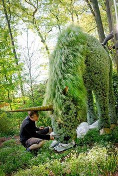 Unicorn living sculpture at Atlanta Botanical Garden. Topiaries, Topiary Garden, Moss Garden, Topiary Plants, Hydrangea Garden, Planters, Large Backyard Landscaping, Backyard Ideas, Garden Ideas