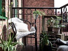 Outdoor Spaces, Outdoor Living, Damier, Scandinavian Interior Design, Chant, Wishbone Chair, Decoration, Exterior Design, Ladder Decor
