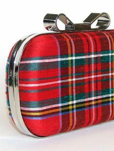Box Clutch Minaudière Clamshell Purse - Silk Royal Stewart Red Tartan Plaid Evening Bag, Lined in Hunter Green UltraSuede Tartan Fashion, Look Fashion, Gothic Fashion, Plaid Wedding, Stewart Tartan, Scottish Tartans, Scottish Plaid, Tartan Pattern, Tartan Plaid