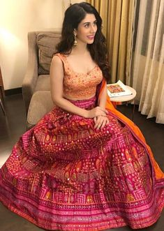 Warina Hussain in Kalki magenta lehenga and peach blouse Call/WhatsApp for Purchase Inqury : Lehnga Blouse, Saree Dress, Maxi Dresses, Lehenga Designs, Saree Blouse Designs, Indian Dresses, Indian Outfits, Mehendi Outfits, Indian Clothes