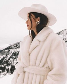 Sarah Butler of wearing TIBI Oversized belted faux fur coat, white hat, and Gucci Crystal Double G earrings in Whistler, Canada White Faux Fur Coat, Snow Outfit, Sarah Butler, Outfits With Hats, Fashion Shoot, Women's Fashion, Whistler, Winter Outfits, Winter Fashion