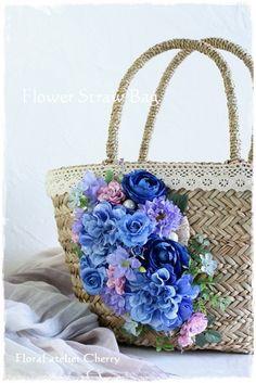 花カゴバッグ 大阪/岸和田 <お花のアトリエ Cherry>・桜子花日記 Summer Handbags, Summer Bags, Tree Bag, Deco Floral, Floral Bags, Types Of Bag, Flower Fashion, Handmade Bags, Vintage Sewing