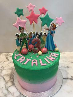 Tarta buttercream Peter Pan, princesas Disney y estrellitas. Princesas Disney, Peter Pan, Birthday Cake, Desserts, Food, One Year Birthday, Pies, Sweets, Tailgate Desserts