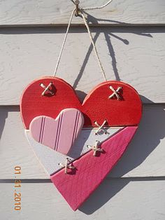 Valentine Crafts (as promised) Valentine Wreath, Valentine Day Love, Valentine Day Crafts, Holiday Crafts, Heart Crafts, Valentines Day Decorations, Wood Creations, Christmas Wood, Wooden Hearts