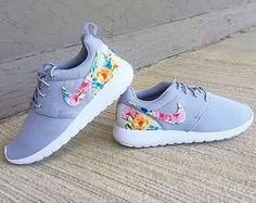 Nike Roshe Run Floral Girls/Womens Floral by GymPrincessCustoms Floral Nike Shoes, Floral Nikes, Grey Nike Roshe, Nike Roshe Run, Baby Nike, Nike Free Runners, Jordans Girls, First Class, Nike Shoes Outlet