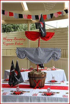 Captain Ethan& Birthday Party My Little baby Ethan has just turned 5 years old and we celebrated in true Buccaneer style wi. Deco Pirate, Pirate Day, Pirate Birthday, Pirate Theme, Fête Peter Pan, Peter Pan Party, Party Kulissen, Party Time, Sofia Party