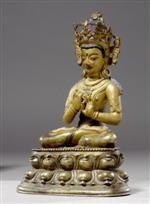 A BRONZE FIGURE OF TATHAGATA VAIROCANA. Tibet, 14th c. Height 23 cm. Skin and head painted. Repair at waist. 青銅毗盧遮那如來佛像. 西藏. 14世紀. 高23厘米. 皮膚和頭部有描彩,腰部有修復.