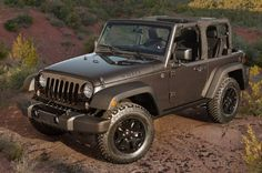 2014 Jeep Wrangler Willys Wheeler Edition is throwin' it back to the old U.S. military days.