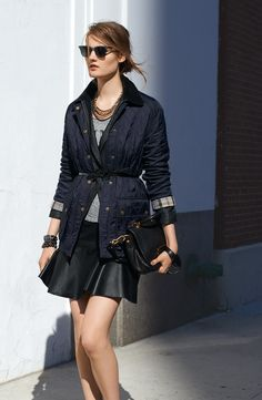 Fashionable Lightweight Jacket Outfit For Women