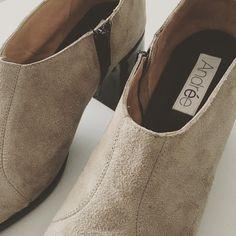 Básicos de otoño / invierno 2016! ❄️100% cuero vacuno / 100% leather #zapatos #shoes #design #zapatosartesanales #handmadeshoes #shoedesigner #amoaloszapatos #loveshoes #fashiondesign #moda #bonitoszapatos #cuero #madeinArgentina #hechosenArgentina #cuerovacuno #otoño2016 #invierno2016 #winter2016 #autumn2016