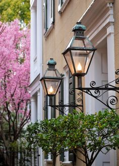 Large Lanterns, Charleston, SC © Doug Hickok All Rights Reserved A pair of lanterns provides soft light as well as charming ambiance for. Charleston Style, Charleston Homes, Beautiful Homes, Beautiful Places, Large Lanterns, Gas Lanterns, Antebellum Homes, Southern Belle, Southern Charm
