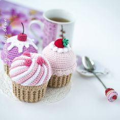 Crochet Cake, Crochet Food, Crochet Crafts, Crochet Projects, Quick Crochet Patterns, Free Crochet, Crochet Needles, Doll Tutorial, Stuffed Toys Patterns