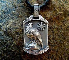 Viking Jewelry, Ancient Jewelry, Gothic Jewelry, Men's Jewelry, Jewelry Ideas, Pagan Symbols, Viking Symbols, Bordados Viking, Silver Gifts