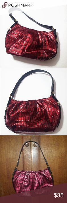 "Simply Vera Vera Wang Red Croc Bag Purse Excellent condition. Manmade materials. Shade of red has a pinkish hue, especially when exposed to certain light. Pics taken in different lighting so you can get an idea.   Length approx 13.5"", height 8"", strap drop 9.5"", depth 3"". All measurements approximate and taken when bag was flat. Simply Vera Vera Wang Bags Shoulder Bags"