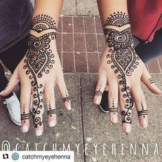 #follow@hennafamily #hennafamily  #Repost @catchmyeyehenna  Bestie henna is the best henna  I'm available for appointments or bookings in Conway!  Contact info in bio. #tag original artist.  #henna #hennatattoo #tattoo #gypsy #hipster #boho #art #artist #hippie #art #artist #bestie #gypsygirl #bestfriend #twin #twinning #trend #conway #conwayar #ar #arkansas #coffee #coffeeshop #girly #hennainspire @hennainspire @henna_tutorial #hennatutorial #uca #ucabears