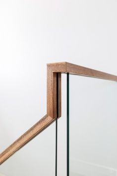 27 Best Ideas for glass stairs railing wood staircases House Stairs glass Ideas Railing Staircases Stairs Wood Wood Handrail, Staircase Handrail, Home Stairs Design, Interior Stairs, Glass Stairs, Glass Stair Railing, Glass Handrail, Wood Railings For Stairs, Stair Railing Design