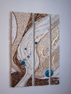 I love how the aqua blue is contrasting with the earth tones! Beautiful! I so want this on my wall!!!!