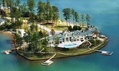 Waterfront Mansions | Alexander City, AL Waterfront Mansion