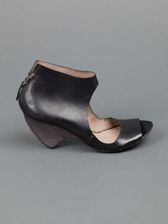MARSÈLL - cut-out bootie