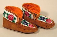 Beaded Moccasins 9 - Beaded Moccasins, Native Design, Indigenous Art, Beading Projects, First Nations, Beadwork, Mittens, Espadrilles, Slippers