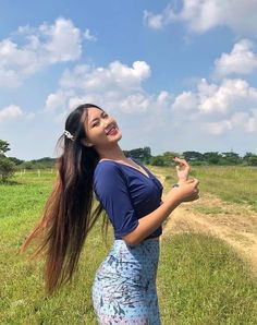 Beautiful Girl Body, Beautiful Asian Women, Beautiful Celebrities, Myanmar Dress Design, Burmese Girls, Myanmar Women, Curvy Girl Fashion, Sexy Asian Girls, Hottest Models
