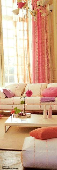 Luxe Interiors, Pink Home Decor, Interior, Eclectic Decor, Luxury Homes Interior, Home Decor, Floral Interior, House Interior, Home Decor Furniture