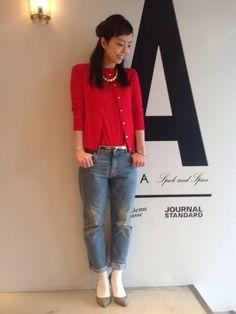 デニムとの相性抜群の赤♪春夏のファッションアンサンブルコーデ術を集めました!