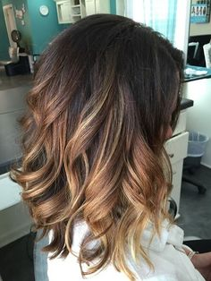 Rooted warm blonde Carmel Hair Color, Ombre Hair Color, Hair Color Balayage, Blonde Roots, Warm Blonde, Hair Color Highlights, Balayage Brunette, Hair Looks, Dyed Hair