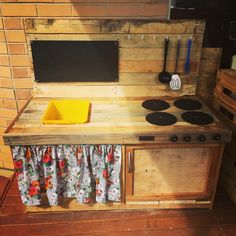 Wood Pallet Kitchen