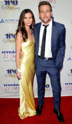 Sean Patrick Flanery and his lovely wife Lauren at the Night of 100 Stars Sean Patrick Flanery, One Shoulder, Stars, Night, Formal Dresses, Clothes, Fashion, Dresses For Formal, Outfits