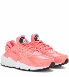 new styles 8ded5 4d6f9 Air Huarache Run sneakers   Nike Deportes, Zapatillas De Deporte Bonitas, Zapatillas  De Color