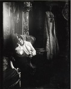 weilethings:  Marie Chytilová, Alphonse Mucha's wife.  She was 22 years his junior and a former art student of his.  She remained his biggest supporter and muse until his death at the age of 79.