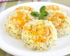 Flan de semoule light aux râpés de courgette et carotte : http://www.fourchette-et-bikini.fr/recettes/recettes-minceur/flan-de-semoule-light-aux-rapes-de-courgette-et-carotte.html