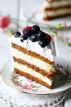 Sitruunamousse kakun väliin - Suklaapossu Sweet And Salty, Something Sweet, Dessert Recipes, Desserts, Yummy Cakes, Food Inspiration, Tiramisu, Cheesecake, Goodies