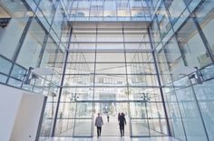 1000-Dockside-atrium-glass-modern-lifts-entrance-foyer-film-location(59).jpg (1500×997)