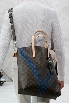 Louis Vuitton Spring 2015 Menswear - Collection - Gallery - Look 1 - Style.com