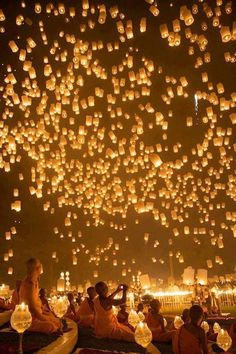 Loy Kratong (Floating Lantern) Festival in Chiang Mai, Thailand. Love Chiang Mai, love this! Lanterns and romantic lighting are a wedding must for me! Also, the first time I taught was in Chiang Mai! Oh The Places You'll Go, Places To Travel, Travel Things, 5 Things, Floating Lantern Festival, Lantern Festival Thailand, Thailand Festivals, Chinese Lantern Festival, Beautiful World