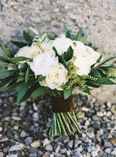 chic wedding bouquet; photo: Braedon Flynn