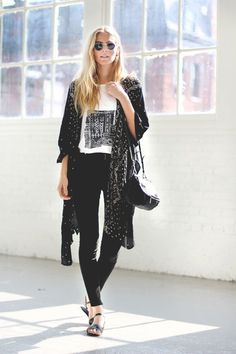 Nothing can ever go wrong : Graphic tee, fitted jeans, loose big cardigan, & sandals