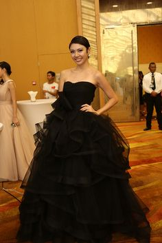 a black gown for wedding?
